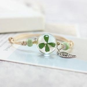 Jewelry - Four Leaf Lucky Clover Encased Leaf Bracelet B13